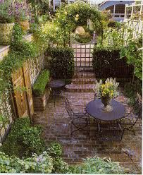 15 innovative designs for courtyard gardens hgtv best 25 small courtyard gardens ideas on small with