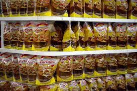 Minyak Kelapa Di Supermarket produsen wajib sediakan 20 minyak goreng kemasan sederhana