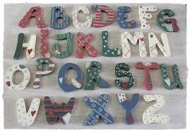 buchstaben kinderzimmer buchstaben holzbuchstaben für kinderzimmer co motivauswahl nl