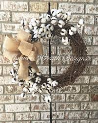 Decorating Grapevine Wreaths For Christmas by Best 25 Indoor Wreath Ideas On Pinterest Burlap Wreaths For