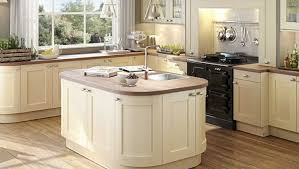 simple shaker kitchen style with modular shape kitchen island and