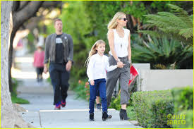 chris martin and gwyneth paltrow kids gwyneth paltrow u0026 chris martin family walk to photo