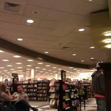 Barnes And Nobles Upper West Side Barnes U0026 Noble Booksellers 15 Reviews Bookstores 7157 Plaza