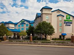 6 Flags In Chicago Holiday Inn Express U0026 Suites Chicago Midway Airport Hotel By Ihg