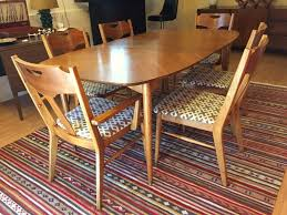 Mid Century Modern Dining Chairs Vintage Vintage Mid Century Pecan Dining Set By Hooker Epoch