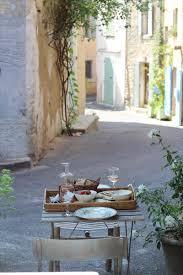 provence style frühstück in der bretagne im sommer reisen pinterest