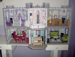 De Plan Barbie Doll Furniture by Fashion Doll Dream Castle Plastic Canvas 2013 Fashion Doll Dream
