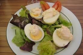 cuisiner les oeufs comment cuisiner des oeufs à la mayonnaise dans maison jardin