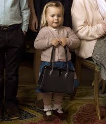 Queen Elizabeth Purse Princess Charlotte Cuddles Up On The Queen U0027s Lap In Stunning New