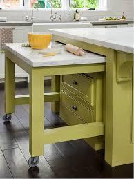 ilot central dans cuisine gain de place dans la cuisine astuces meubles et gadgets au