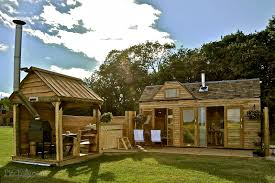 tiny wooden house southam warwickshire pitchup com