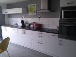 faience grise cuisine faience pour cuisine blanche 10 carrelage mural metro blanc noir