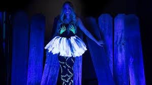 diy ultimate glow costume ilovetocreate