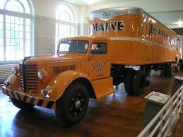 Vintage Ford Truck Commercials - tractor is quite similar to hartoy peterbilt demonstrates 1950 u0027s