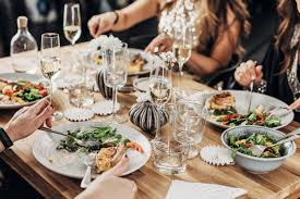how to host the ultimate dinner party should know