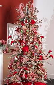 Candy Decorations For Christmas Tree by Best 25 Peppermint Christmas Decorations Ideas On Pinterest