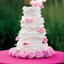 unique wedding cake ideas for summer and spring wedding ceremonies