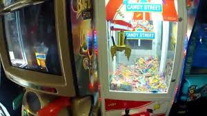 75 winning at the claw machine bad candy crane youtube
