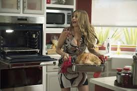 modern family thanksgiving which tv family should you join for thanksgiving dinner playbuzz