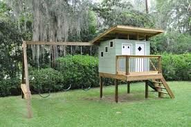 Backyard Play Houses by Luke Designs And Builds A Mid Century Modern Retro Playhouse