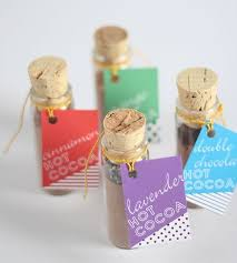 Easy Favors To Make by 12 Easy Diy Favors To Make For A Large Wedding Brit Co