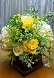 White Roses Centerpieces by Low Centerpiece Yellow Rose White Hydrangea Square Gold Vase Www