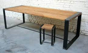 table bureau bois bureau industriel metal et bois idee deco industrielle avec table
