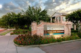 Townhomes For Rent In Houston Tx 77057 Richmond Towne Homes At 10777 Richmond Avenue Houston Tx 77042