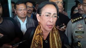 Puisi Sukmawati Buntut Puisi Sukmawati Akan Dilaporkan Ke Bareskrim Polri News