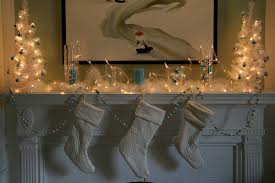 Images Of Mantels Decorated For Christmas 33 Mantel Christmas Decorations Ideas Digsdigs