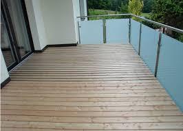 holzbelag balkon balkonboden holz holzboden balkon terrasse leeb