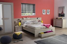 Modele Decoration Chambre Adulte by Chambre Mur Rouge Et Gris U2013 Chaios Com