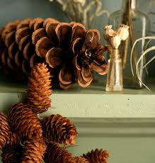 diy pinecone garland design sponge