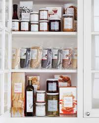 a guide to hosting holiday houseguests martha stewart
