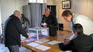 image bureau de vote barbâtre élections à 15 h 35 de participation au bureau de la