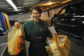 shaws thanksgiving hours twenty years hefting groceries below the newtonville shaw u0027s news