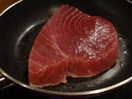 comment cuisiner le thon steak de thon poêlé la tendresse en cuisine