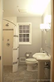 this bathroom has good wheelchair accessibility to use sink and