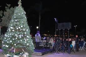 hospice of santa barbara remembers loved ones with tree lighting