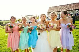 cool and fun wedding ideas for summer everafterguide