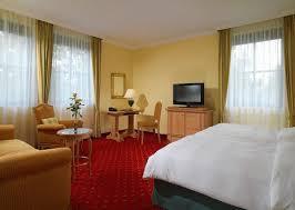 sheraton munich airport hotel restaurant zur schwaige munich hotels com sheraton münchen airport hotel