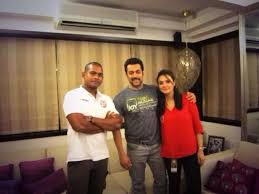 salman khan home interior salman khan with preity zinta and xi punjab players at his