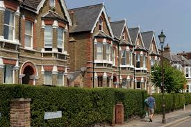 first time buyers face an average 33 000 deposit report shows