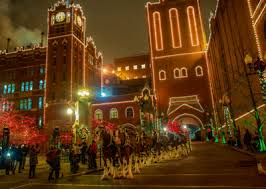 brewery lights fort collins holiday lights walking tours at anheuser busch brewery stlparent