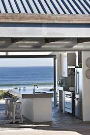 beach kitchen design best 25 coastal kitchens ideas on pinterest beach kitchens