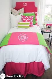 Best 10 Preppy Bedding Ideas by 192 Best Preppy Dorm Rooms Images On Pinterest Pink Quilts