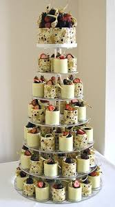 alternative wedding cakes use antique china teacups with banana pudding pretty