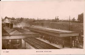 Weedon railway station