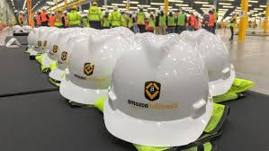 do amazon employees work on thanksgiving amazon looking to hire 1 000 in shakopee mn