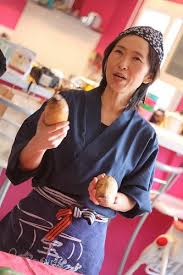 cours de cuisine japonaise bordeaux un cours de cuisine japonaise à bordeaux avec junko sakurai ma p